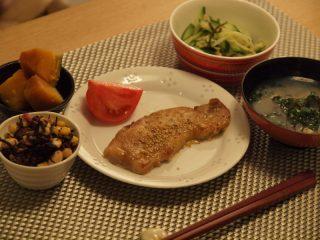 体脂肪計タニタの社員食堂より☆豚肉の南部焼き定食☆