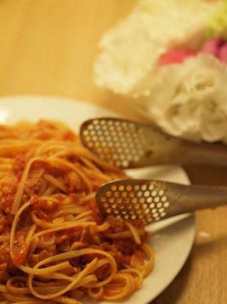 トマト缶とベーコンだけの簡単絶品パスタ