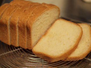 ☆バターを使わずにホームベーカリーで食パン&バナナジャム☆