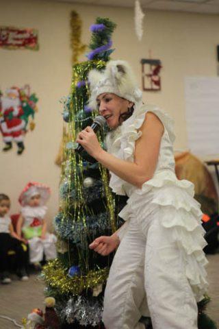 ロシア風のクリスマスパーティ ロシアのサンタクロース?