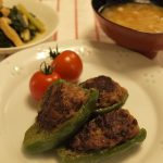 ピーマンの肉詰め・小松菜の煮びたし・お味噌汁